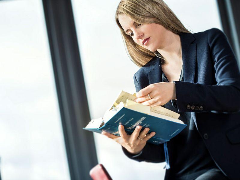 Patentanwalt - Dr. rer. nat. Julia Telsemeyer